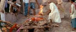 India, the body of died man is burning